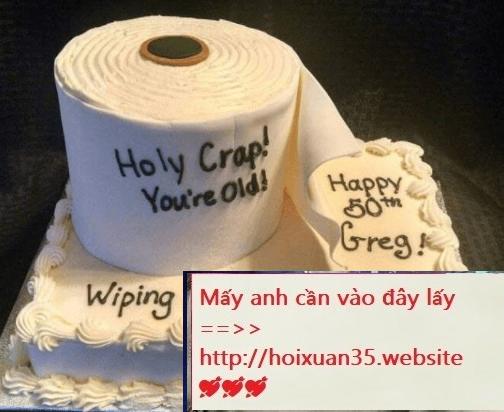 Chiếc bánh sinh nhật không ai dám thử